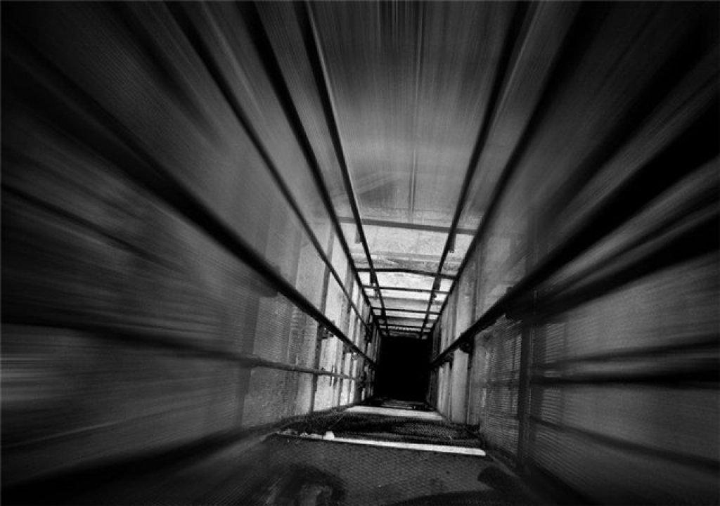 Эротика случай в лифте 10 фотография